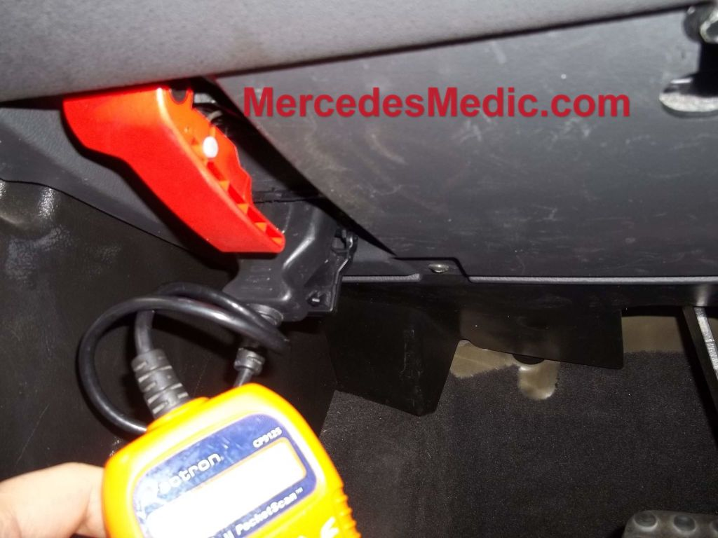 Diy How To Replace Oxygen O2 Sensor Mercedes Benz Mb Medic Wiring Diagram C180 The Step By Instructions