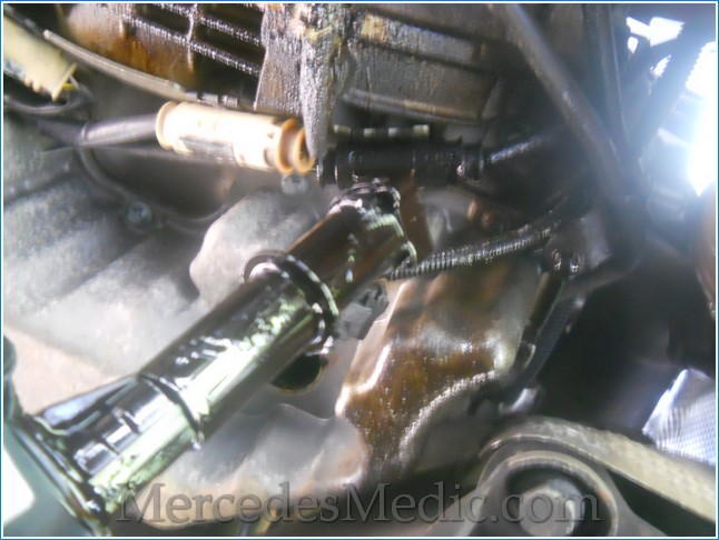 Replace engine oil level temperature sensor mercedes benz for Mercedes benz engine oil recommendations