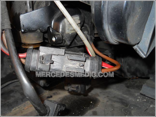 MERCEDES-BENZ_air_matic_air_compresor_repair_how_to_replace_06