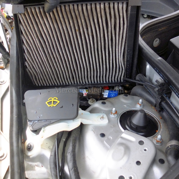 Cabin air filter replacement instructions e class cls class for Mercedes benz e350 air filter replacement