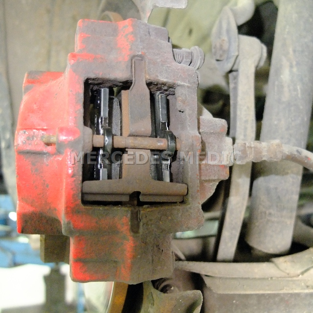 REAR CERAMIC BRAKE PADS FOR MERCEDES-BENZ C250 4MATIC 2000 2011 2012 2013