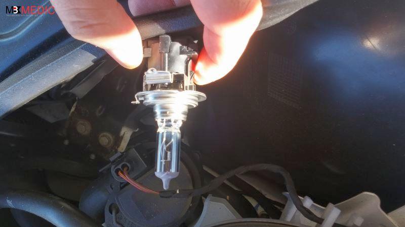 remove old h7 bulb mercedes benz c e clks e ml s class