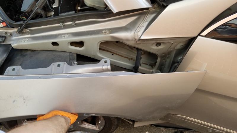 Mercedes    R   Class    W251 R350 R320 R500 Fender Replacement DIY     MB Medic