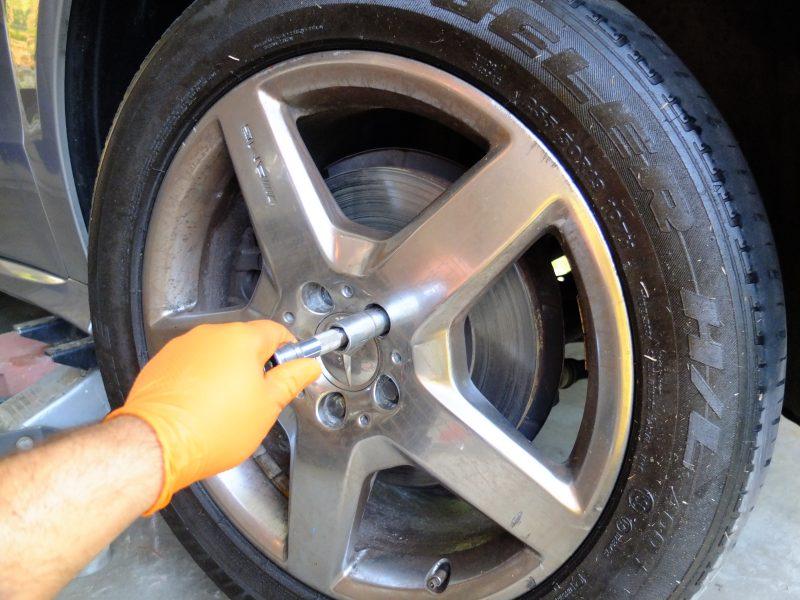 loosen remove wheel jack up